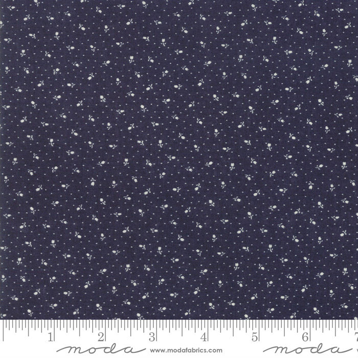 Moda Indigo Gatherings Navy Rose Bed 1297-17