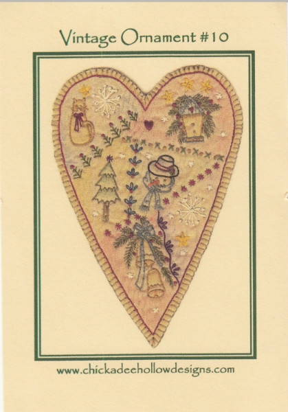 Vintage Christmas Ornament - Prim Heart CDHV010