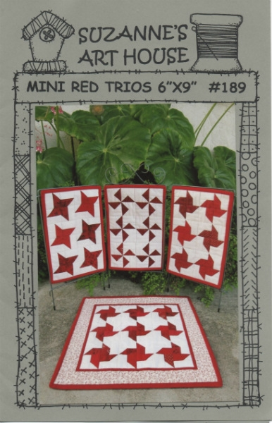 Mini Red Trios SAH189 by Suzanne Wenzlick
